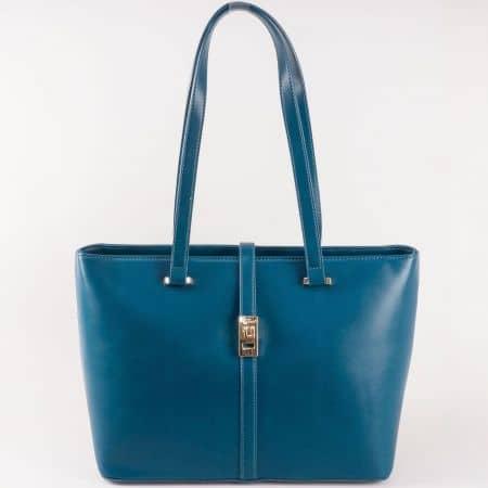 Изискана дамска чанта в син цвят с ефектна златиста закопчалка на френският производител David Jones  ch5219-5s