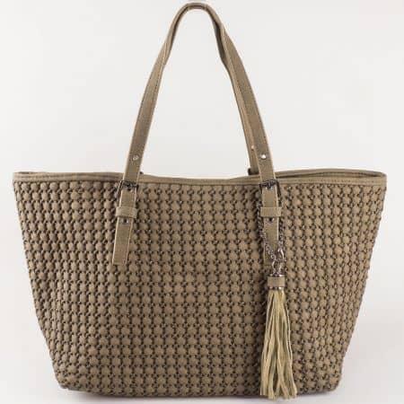 Лека и удобна дамска чанта с две дръжки, променяща формата си в кафяв цвят- David Jones  ch5223-3k