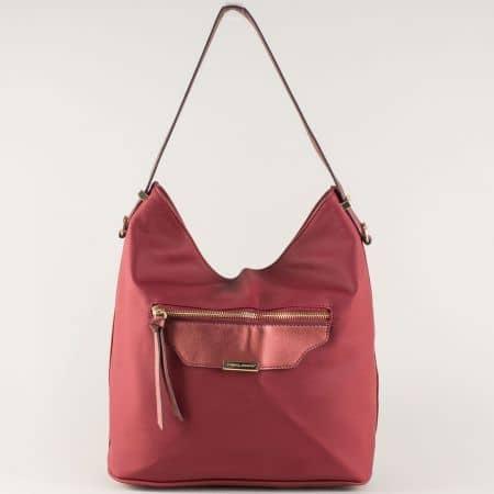 Модерна дамска чанта в цвят бордо с къса и допълнителна дълга дръжка ch5290-2bd