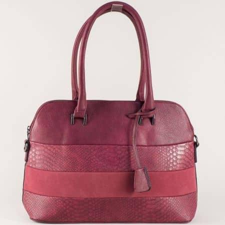 Стилна дамска чанта в бордо с две къси и дълга дръжка ch558bd