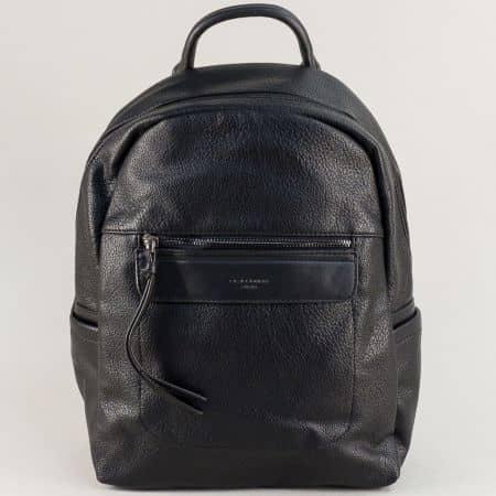 Дамска раница в черен цвят с два външни джоба с цип ch6114-2ch