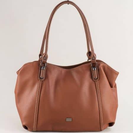Кафява дамска чанта с практично разпределение ch6136-2k