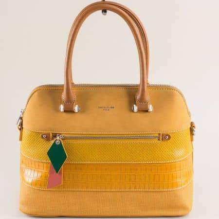 Жълта дамска чанта с твърда структура- DAVID JONES ch6241-1j