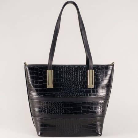 Елегантна дамска чанта с кроко принт в черно ch667ch