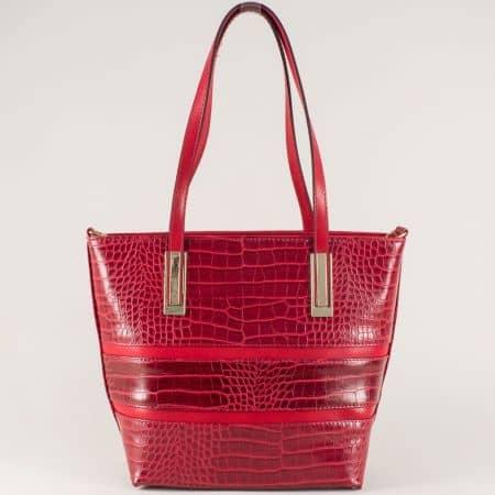 Червена дамска чанта с две къси и допълнителна дълга дръжка ch667chv