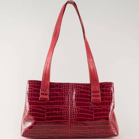 Дамска чанта в червен цвят с външен джоб с цип ch668chv