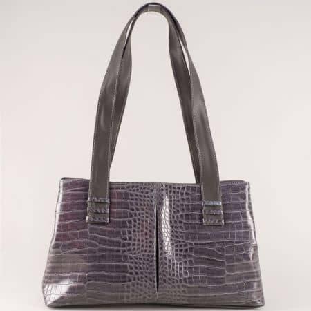 Практично разпределена дамска чанта в сив цвят ch668sv