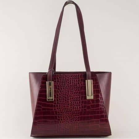 Модерна дамска чанта с принт в цвят бордо ch673krbd