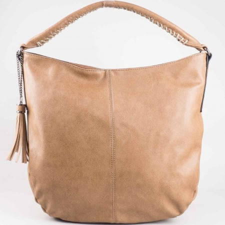 Дамска атрактивна чанта на водещия френски производител David Jones в бежов цвят cm2834bj