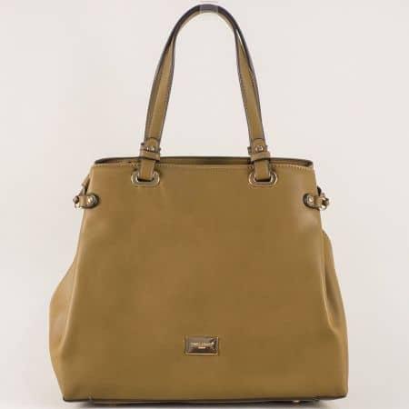 Тъмно кафява дамска чанта с практично разпределение cm3272kk