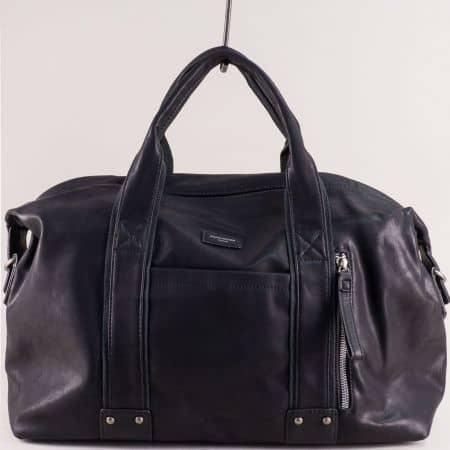 Черна пътна чанта с три външни джоба- DAVID JONES cm3960ch