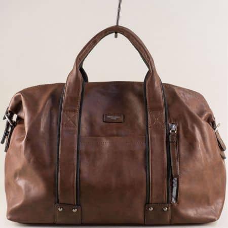 Кафява пътна чанта с три външни джоба- DAVID JONES cm3960k