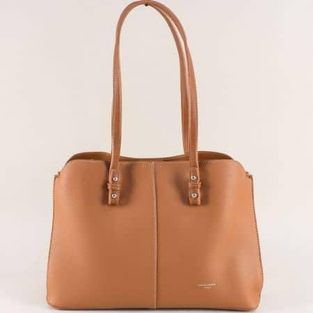 Кафява дамска чанта с три прегради- DAVID JONES cm4030k