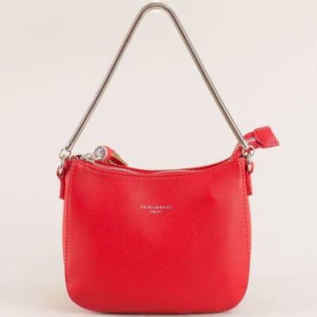 Малка дамска чанта с пискюл- DAVID JONES в червен цвят cm5093chv