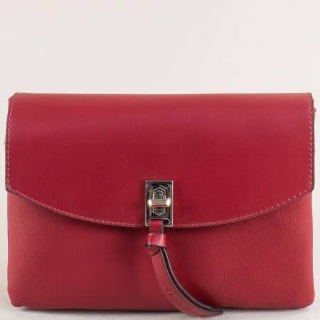 Малка дамска чанта с три прегради в червено- DAVID JONES cm5308chv
