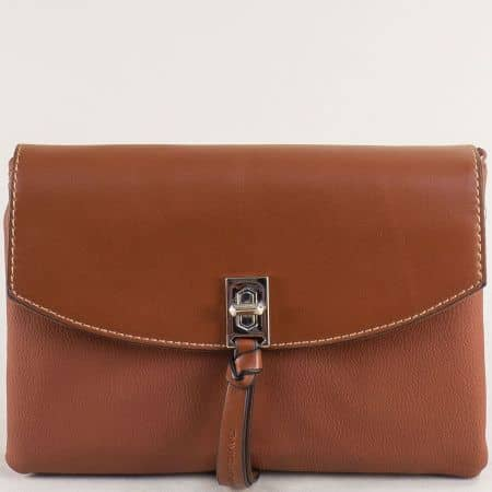 Малка дамска чанта с три прегради- DAVID JONES в кафяво cm5308k