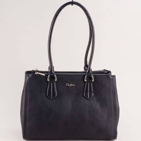 Черна дамска чанта с три прегради с цип- DAVID JONES cm5313ch