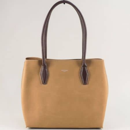 Бежова дамска чанта с три прегради- DAVID JONES cm5327bj