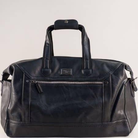 Пътна чанта с практично разпределение в черен цвят cm5341ch