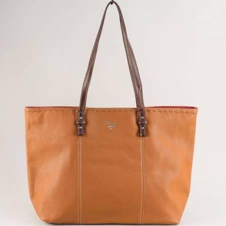 Кафява дамска чанта с външно и вътрешно джобче с цип cm5350k