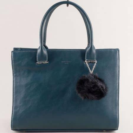 Дамска чанта в зелен цвят с пухче- DAVID JONES cm5377z