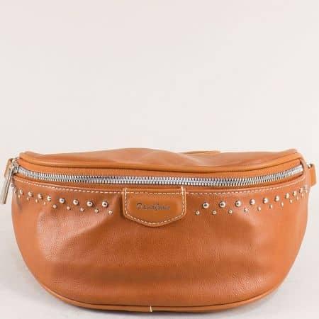 Кафява дамска чанта за кръста с капси- DAVID JONES cm5379k
