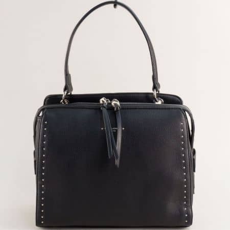 Дамска чанта в черен цвят с къса и дълга дръжка cm5459ch