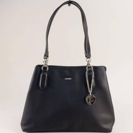 Дамска чанта с три прегради- DAVID JONES в черно cm5644ch
