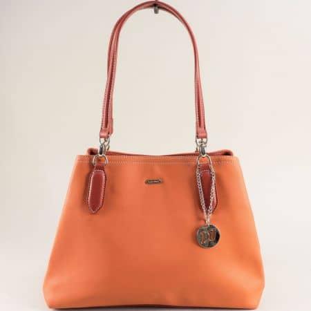 Дамска чанта в цвят корал с три прегради- DAVID JONES cm5644o
