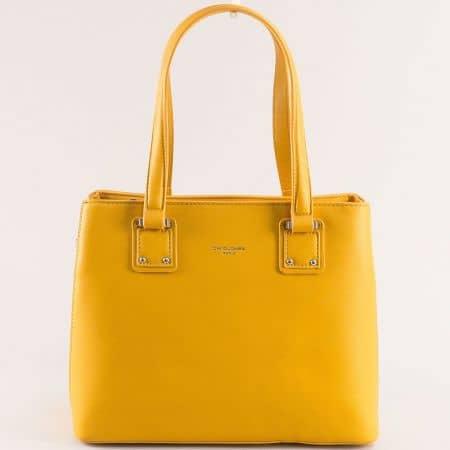 Дамска чанта в жълто с твърда структура- DAVID JONES cm5787j