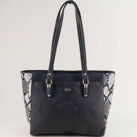 Черна дамска чанта със змийски принт- DAVID JONES cm5361ch
