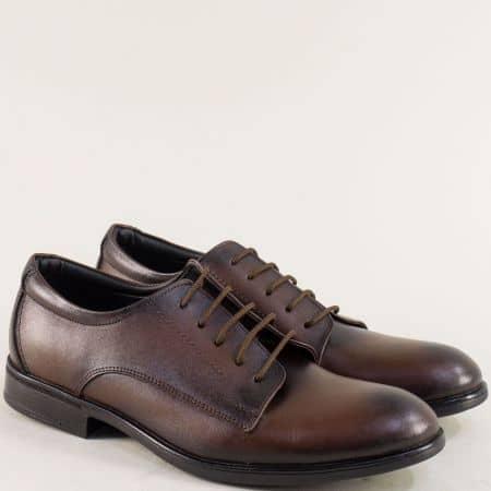 Кафяви мъжки обувки с кожена стелка и връзки d10kk