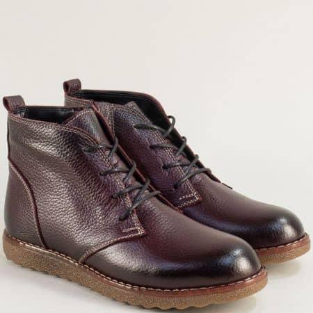 Зимни дамски обувки от естествена кожа в бордо с каучуково ходило dd100bd