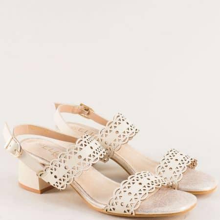 Бежови дамски сандали с перфорация на среден ток e061bj