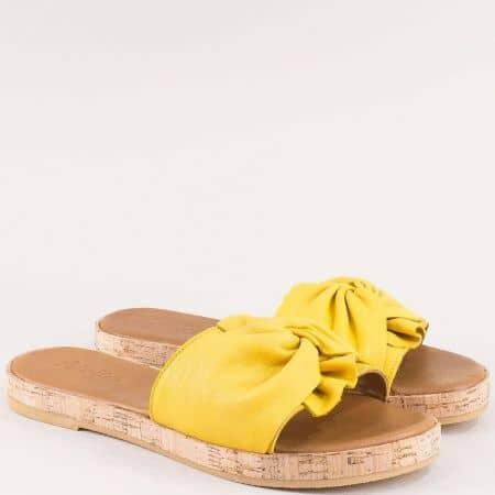 Жълти дамски чехли от естествена кожа на равно ходило  f1001j