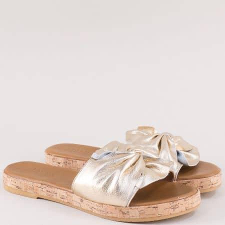 Златни дамски чехли от естествена кожа на равно ходило f1001zl