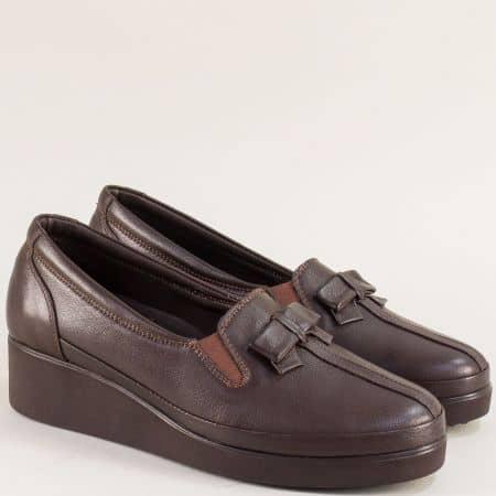 Тъмно кафяви дамски обувки на клин ходило f112kk