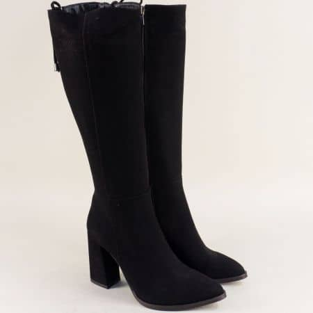 Велурени дамски ботуши със заострен връх в черен цвят f170vch