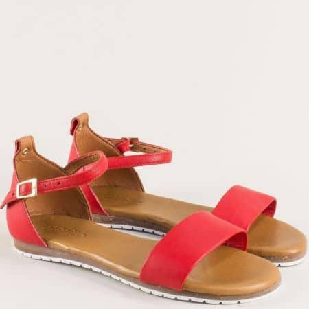 Червени дамски сандали със затворена пета от естествена кожа на равно ходило f200chv