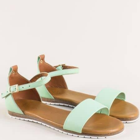 Светло зелени дамски сандали от естествена кожа f200z