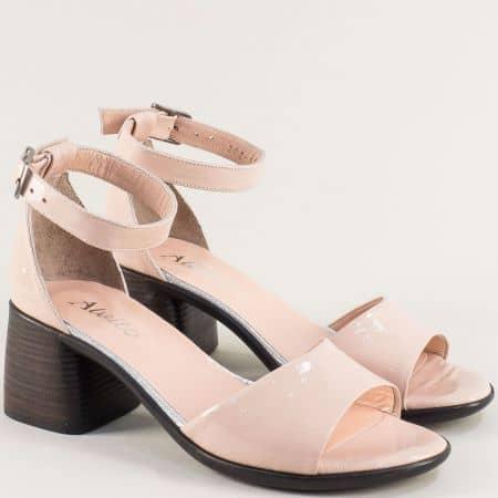 Розови дамски сандали на среден ток от естествен лак  f202lrz