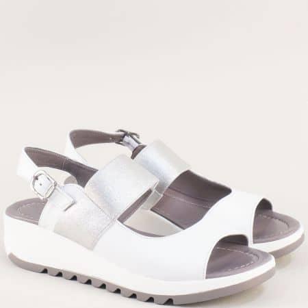 Кожени дамски сандали в бяло и сребро на платформа f41bsr