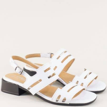 Бели дамски сандали на нисък ток от естествена кожа f439b