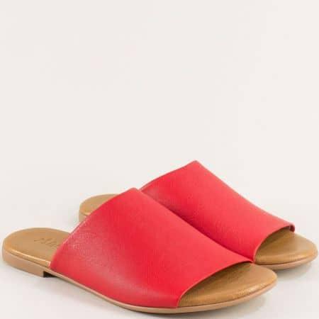 Дамски чехли от естествена кожа в червен цвят на равно ходило f5007chv