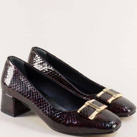 Лачени дамски обувки на среден ток в цвят бордо  f508krbd