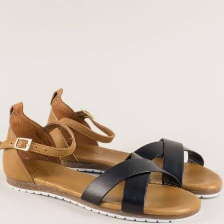 Черни дамски сандали със затворена пета от естествена кожа на равно ходило f6010ch
