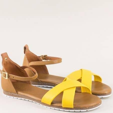 Дамски сандали в кафяво и жълто със затворена пета f6010j