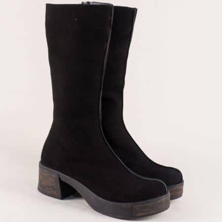 Велурени дамски ботуши на среден ток в черен цвят f917vch