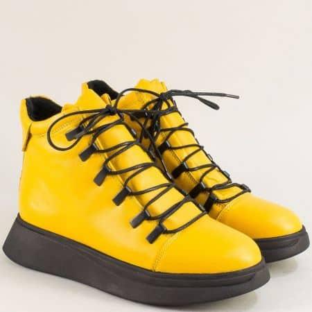Жълти дамски боти на платформа от естествена кожа f9602j
