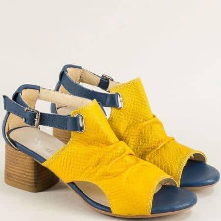 Кожени дамски сандали със затворена пета в синьо и жълто gi202j